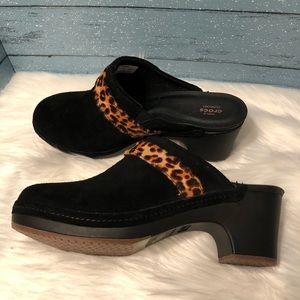 Crocs Blk Leopard Sarah suede clog